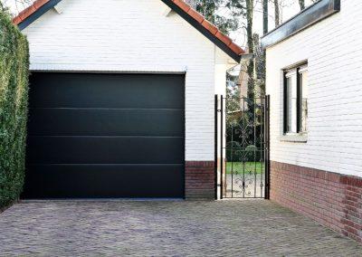 Herlakken garagepoort Roeselare - West-Vlaanderen