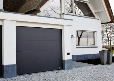 Garagepoort in Kortrijk metaal